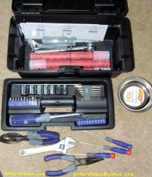 2013 03 04 (174) sn Car Emergency Kit