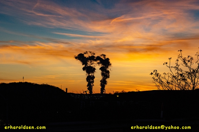 2019 12 07 (75) msn Sunset over Cracker Plant