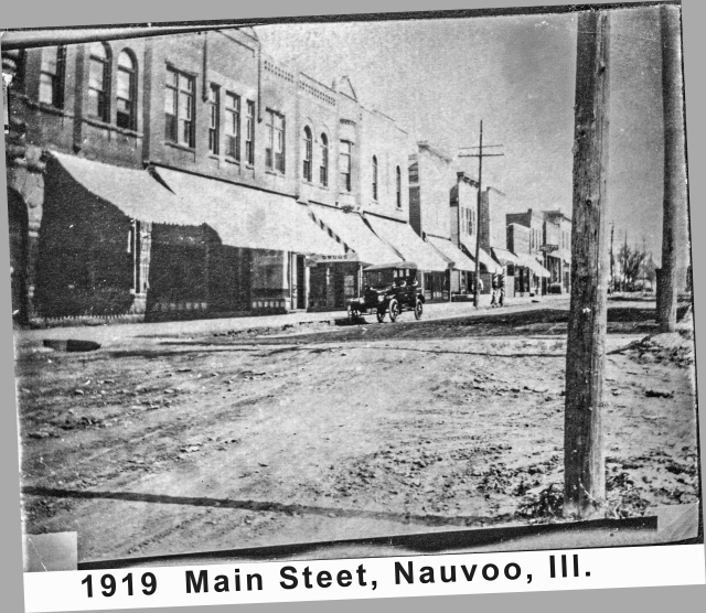 CO19 P59h Nauvoo Main St